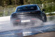 """Porsche Taycan driftem """"wjeżdża"""" do Księgi Rekordów Guinnessa - fot. Materiały Prasowe Porsche"""