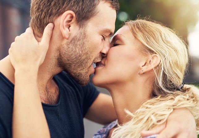 Gwiazdy wspominają swój pierwszy pocałunek