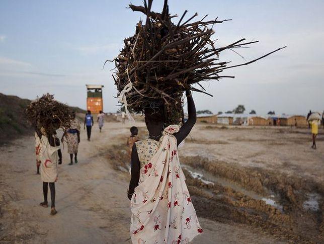 """Tajne """"obozy gwałtu"""" w Sudanie. Kobiety to nagroda dla żołnierzy"""
