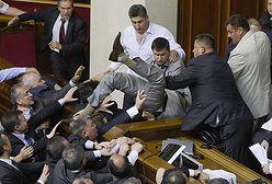 Bójka w ukraińskim parlamencie. Autor ustawy poturbowany