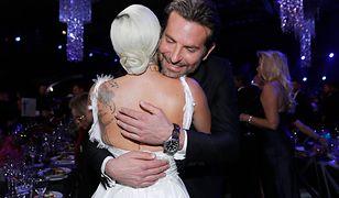 Bradley Cooper dołączył do Gagi na scenie. Widownia oszalała