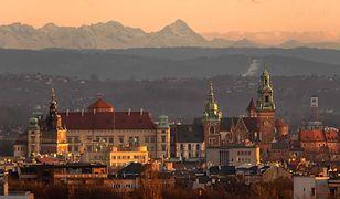 Kraków na tle Tatr. Rzadki widok w mieście zatrutym smogiem
