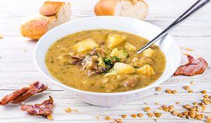 Zupa grochowa na wędzonce. Zawiesista i aromatyczna