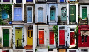Kolaż z londyńskimi drzwiami autorstwa Anny Pajerskiej