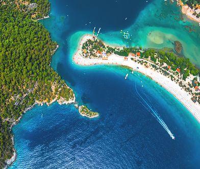 Jedną z największych atrakcji Turcji Egejskiej jest laguna Oludeniz