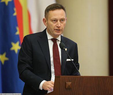 Warszawa. Paweł Rabiej skrytykował Mateusza Morawieckiego za pomysł budowy łuku triumfalnego na Wiśle