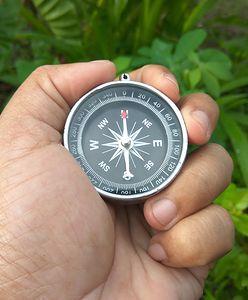 Kompas na wyprawę. Nie warto ruszać na szlak bez niego