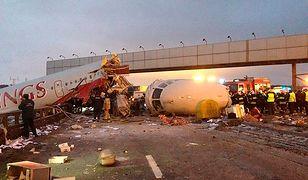 Samolot po przyziemieniu rozpadł się na trzy części