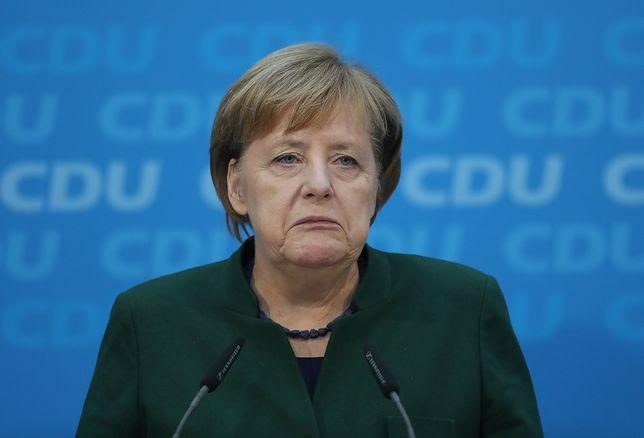 Spada poparcie dla Angeli Merkel jako szefowej rządu