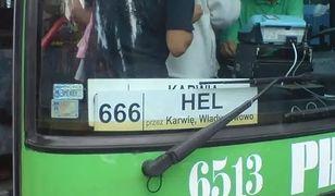 Autobus linii 666. Według Frondy to niebyt dobrze ukryta promocja satanizmu