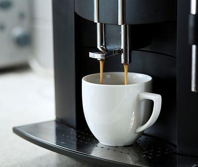 Ekspres do kawy, kapsułki i dobry humor – poznaj przepis na perfekcyjny poranek