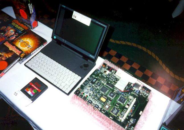 Zdjęcie rzekomej płyty głównej Atari Falcon MicroBox Painter. Ciężkie do zweryfikowania, gdyż to chyba jedyne zdjęcie dostępne w sieci.