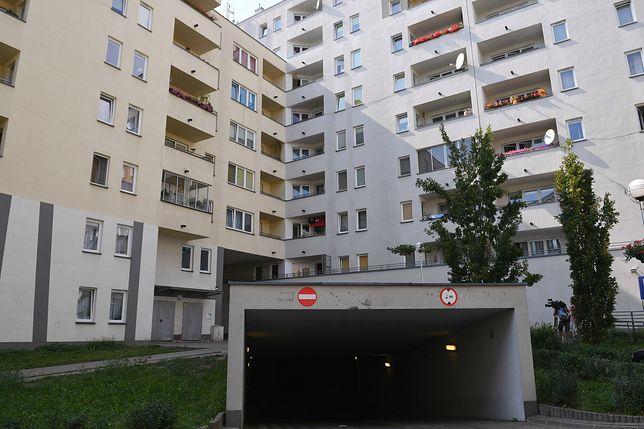 Polacy zadłużają się, by kupić mieszkanie