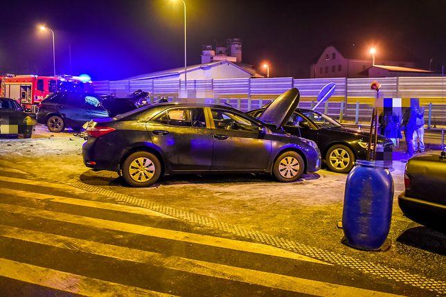 W wypadku w Lubiczu Dolnym ucierpiały 3 osoby, szef MON nie odniósł obrażeń