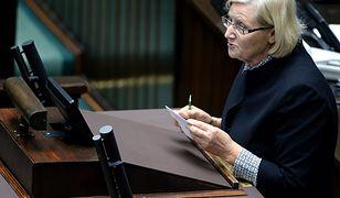 Posłanka Józefa Hrynkiewicz stanie przed sejmową komisją etyki