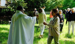 Czarnecki zdradził ciekawostkę o księżach we Francji. Mało kto o tym wie