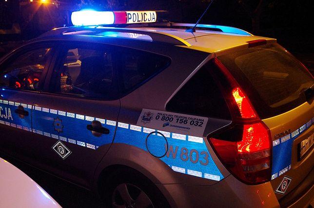 Stargard. Policjanci uratowali 2-latkę