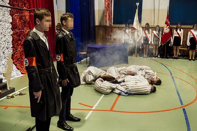 Szkolna inscenizacja holokaustu na Zamojszczyźnie. Dyrektor muzeum Auschwitz: Fatalny pomysł