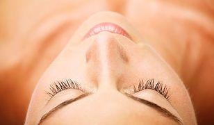 Makijaż permanentny brwi to idealne rozwiązanie dla cienkich i słabych włosków.