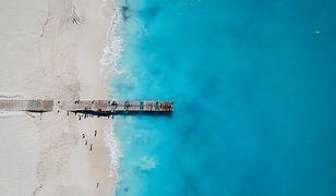 Na pierwszym miejscu znalazła się plaża Grace Bay na wyspie Providenciales w archipelagu Bahamy
