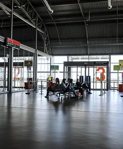 Warszawa. Na Lotnisku w Modlinie ruch pasażerski rośnie z miesiąca na miesiąc