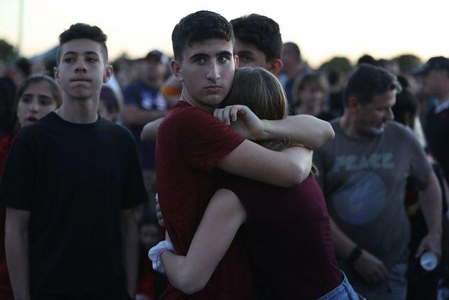 W strzelaninie w szkole zginęło 17 osób.