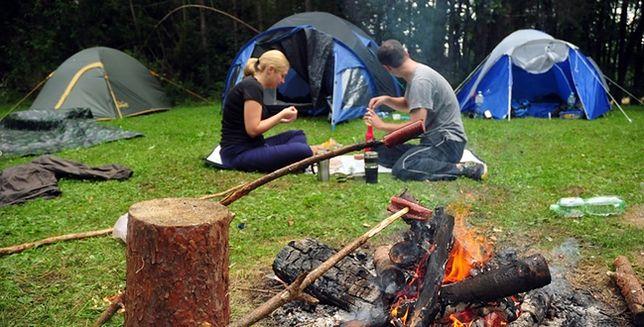 Wakacje pod namiotem - plusy i minusy