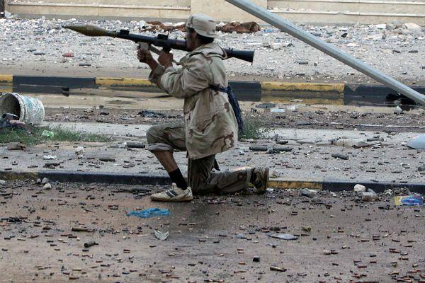 Dzielnice mieszkalne Bengazi pod ostrzałem rakietowym