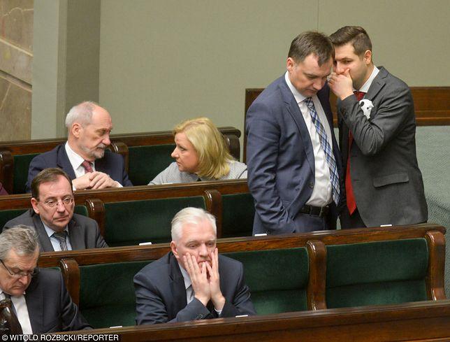 Jarosław Gowin i Zbigniew Ziobro nie mogą liczyć na finansowanie ich partii z budżetu. Muszą radzić sobie sami