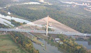 Afera budowlana. W roli głównej: największy most na świecie