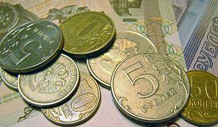 Rubel nadal najtańszy w historii. Uderza to w rosyjską gospodarkę