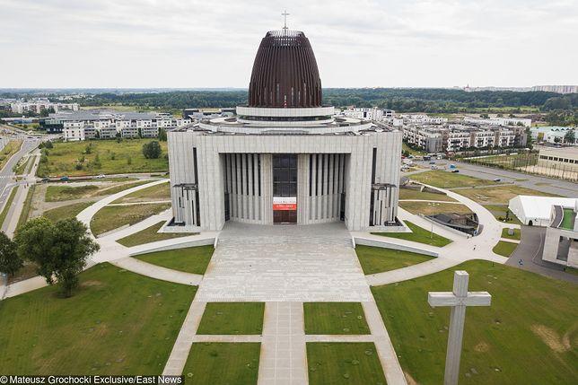 """Chcą parku wokół Świątyni Opatrzności Bożej. """"To jest w interesie Kościoła"""""""