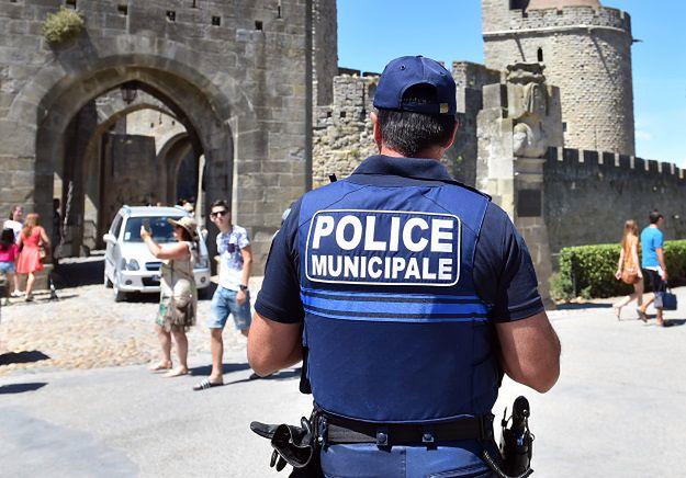 21-latek zatrzymany w ramach śledztwa ws. zabójstwa księdza we Francji