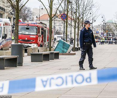 Warszawa.  Fałszywy alarm bombowy w okolicach Pałacu Prezydenckiego w 2016 r.