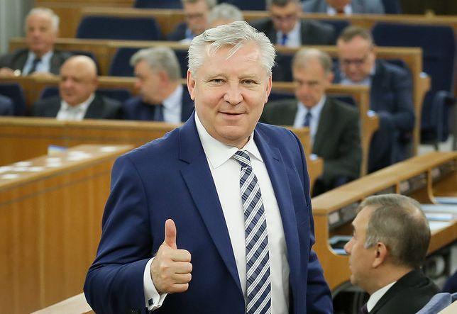 Senator PiS Jan Dobrzyński podczas posiedzenia Senatu