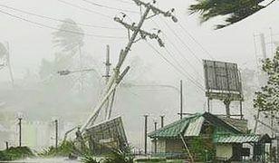 Indie: Cyklon Titli pozbawił pół miliona ludzi prądu