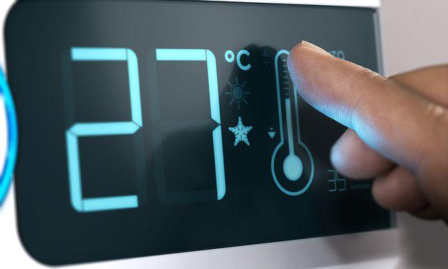 Nowoczesny panel sterowania ogrzewaniem podłogowym elektrycznym to wygodna regulacja temperatury w trosce o rachunki