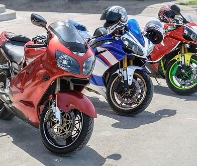 Czy trzeba płacić za motocykl w strefie płatnego parkowania? Zależy gdzie