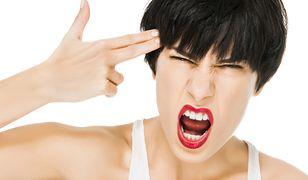 Podczas PMS i okresu cierpi nie tylko brzuch, głowa, ale i skóra. Jak o nią wtedy dbać?
