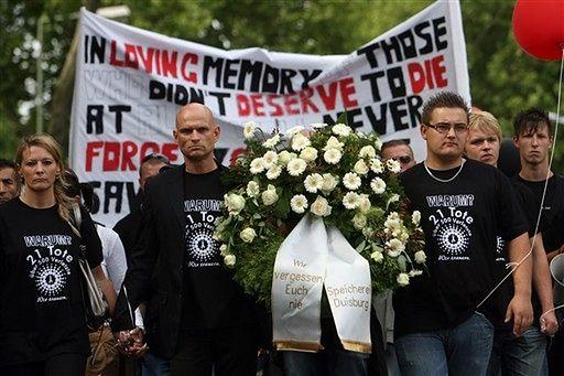 Cichy marsz ku czci ofiar Love Parade