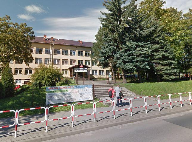 Wadowice. Z Centrum Kształcenia Zawodowego i Ustawicznego nr 1 w Wadowicach ewakuowano uczniów