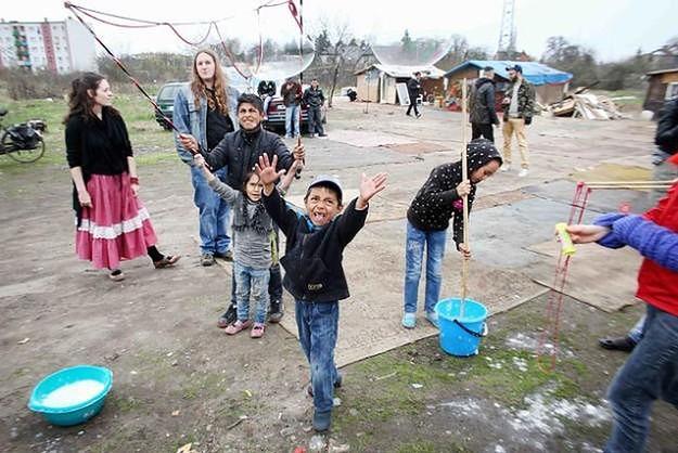 Wyburzenie romskiego koczowiska. Trybunał w Strasburgu żąda od Polski wyjaśnień