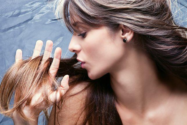 Suche i łamliwe włosy to zmora wielu kobiet