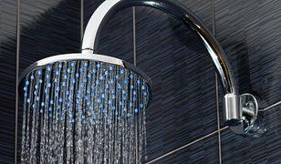 Zwykły prysznic czy deszczownica – co wybrać?