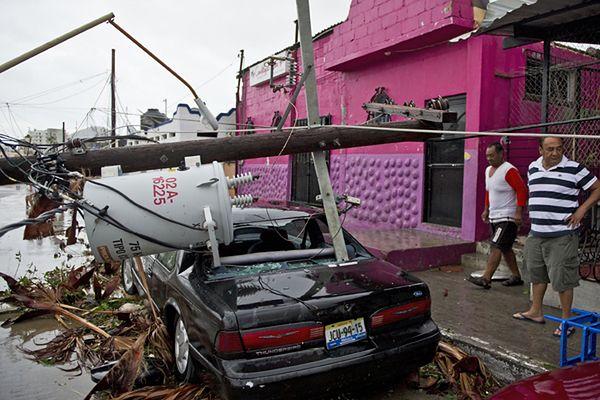 Ogromne straty po przejściu huraganu Odile w Meksyku