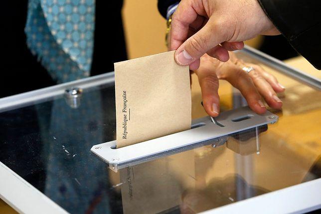 Francja wybiera. Rozpoczęła się II tura wyborów prezydenckich