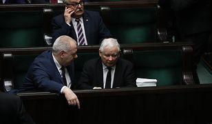 """""""Die Zeit"""" pisze o """"konstytucyjnych kryzysach"""" na Węgrzech i Polsce"""
