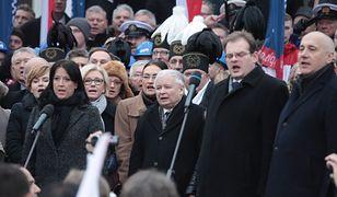 Jarosław Kaczyński i politycy PiS podczas Marszu Niepodległości i Solidarności w 2015 roku.