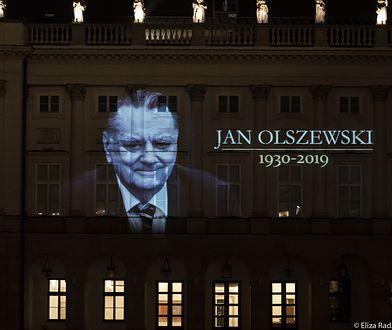 Iluminacja na Pałacu Prezydenckim w Warszawie