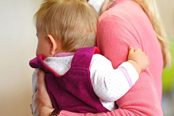 Od czterech lat rodzi się coraz mniej dzieci